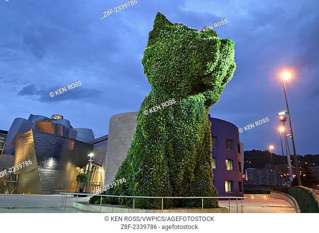 'Puppy' Living Plant Sculpture by Jeff Koons Outside Guggenheim Museum, Bilbao, Spain