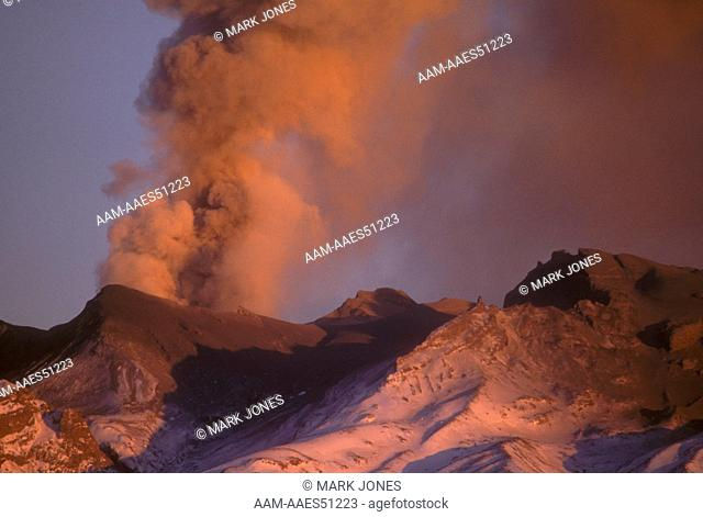 Mt. Ruapehu Eruption 6/96, NZ: large Ash Plume, Ash Fallout, Dawn, Tongariro NP