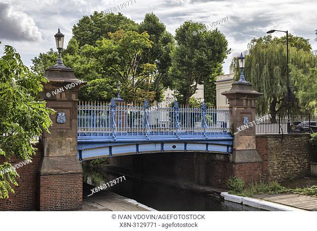 Number one bridge, Regent's Canal, Little Venice, London, England, UK