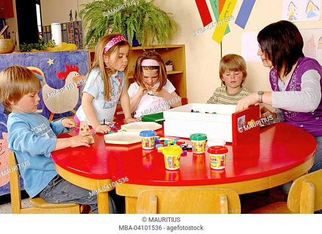 Children, kindergarten, kindergarten teacher, nursery school teacher, do handicrafts, plasticide
