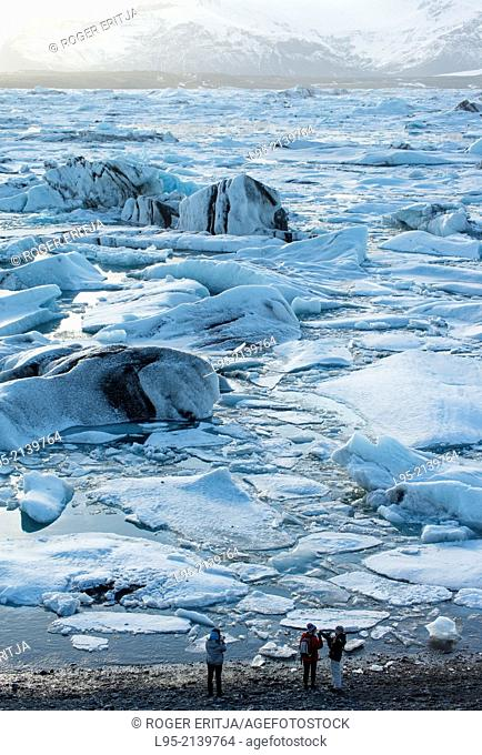 Jokullsarlon lagoon as the draining point of the Vatnajokull glacier, Iceland