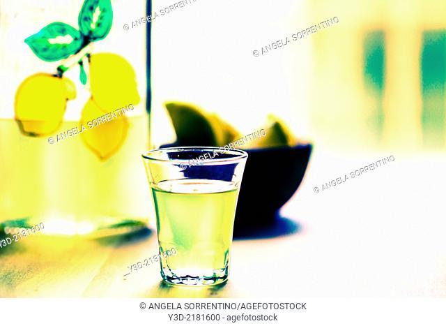 Limoncello drink