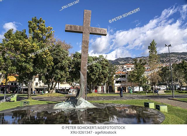 cross monument celebrating the 500th Anniversary of the Diocese in Funchal, Madeira, Portugal, Europe