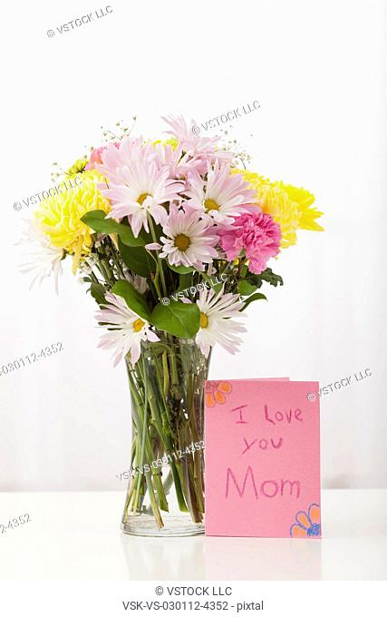 USA, Illinois, Metamora, Flower bouquet for Mother's Day