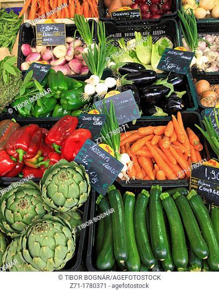 France, Midi-Pyrénées, Toulouse, market, vegetables
