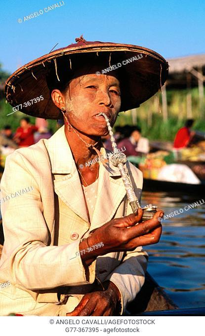Woman at Ywama floating market. Inle Lake. Shan State. Myanmar