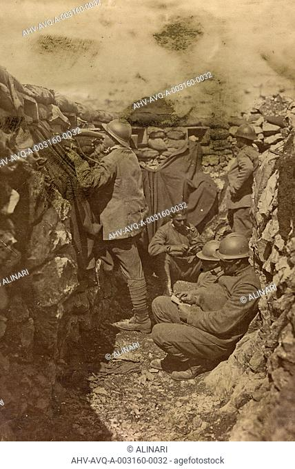 First World War: soldiers in a trench on Mount Fajti, shot 1915-1918
