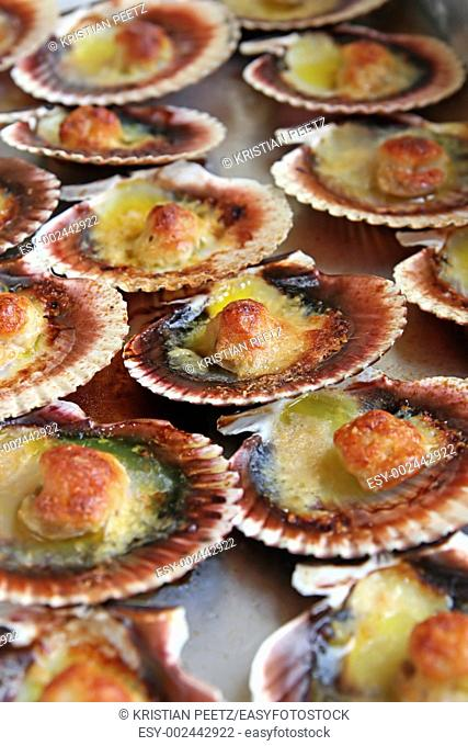 Baked sea scallops    yummy! :-