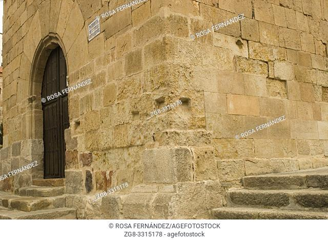 Church of Santo Tomas Cantuariense, in Romanesque style, XII Century, city of Salamanca, Castilla y Leon, Spain