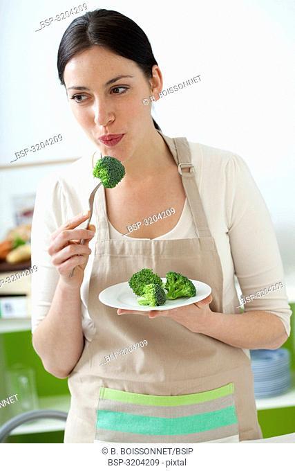 WOMAN EATING VEGETABLE Model