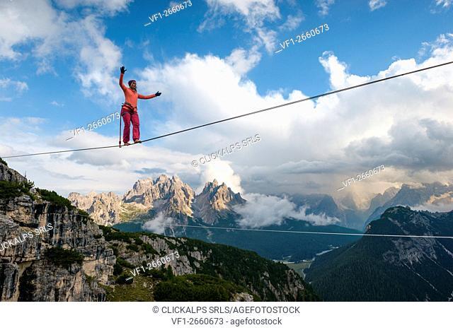 Monte Piana,Auronzo,Misurina,Dolomiti,Veneto,Italy, Faith Dickey doing an Highline (slackline)