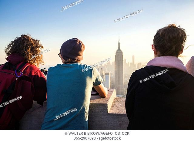 USA, New York, New York City, Mid-Town Manhattan, visitors to the Top of The Rock rooftop, NR