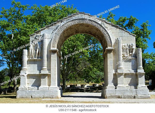 Triumphal arch of Glanum, roman ruins in Saint-Remy-de-Provence, Arles district, Bouches-du-Rhône department, Provence-Alpes-Côte d'Azur region, France, Europe