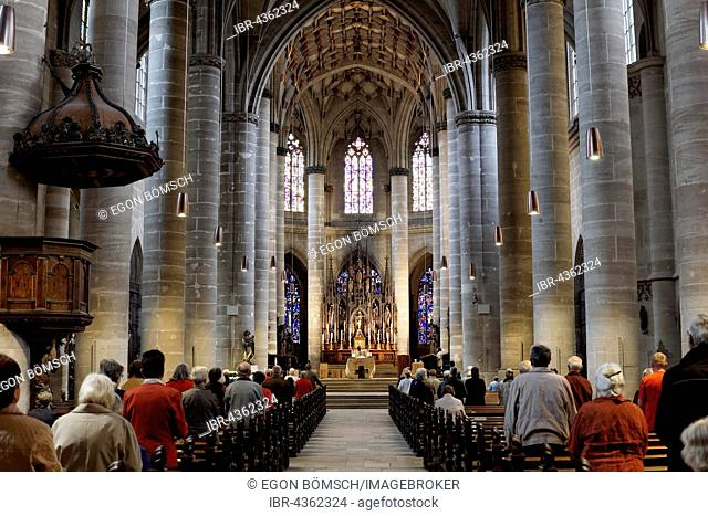 Mass in Heilig-Kreuz-Münster, cathedral, interior view, Schwäbisch Gmünd, Baden-Württemberg, Germany