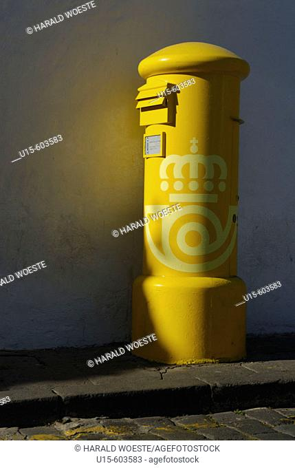 Spain, Canary Islands, Gran Canaria, Arucas. Yellow letter box
