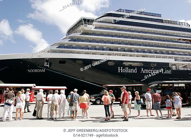 Crown Bay, Holland America Line, MS Noordam, shore excursion group. St. Thomas. US Virgin Islands
