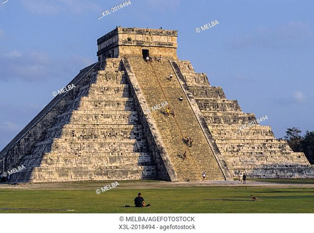 "Chichen Itza. """"El Castillo"""" Piramid. Yucatan. Mexico"