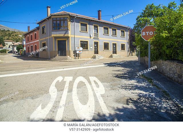 Stop roadsign. Villaverde de la Peña, Palencia province, Castilla Leon, Spain