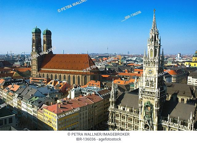 Cathedral of our blessed Lady and New Cityhall, Munich, Bavaria, Germany