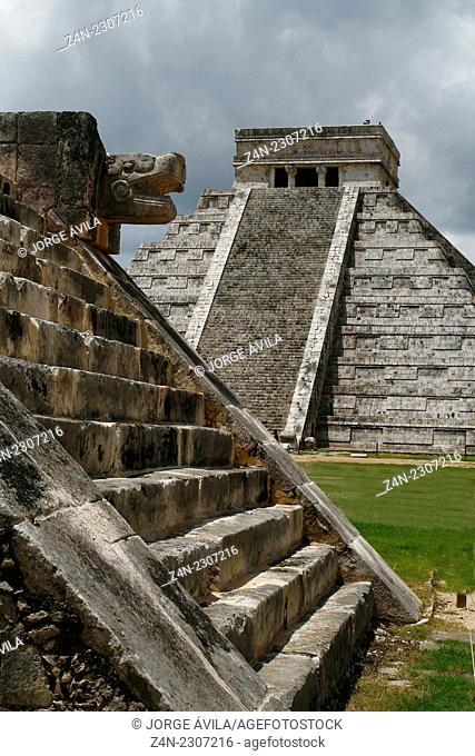 El Castillo temple, Chichen Itza pyramid, Maya