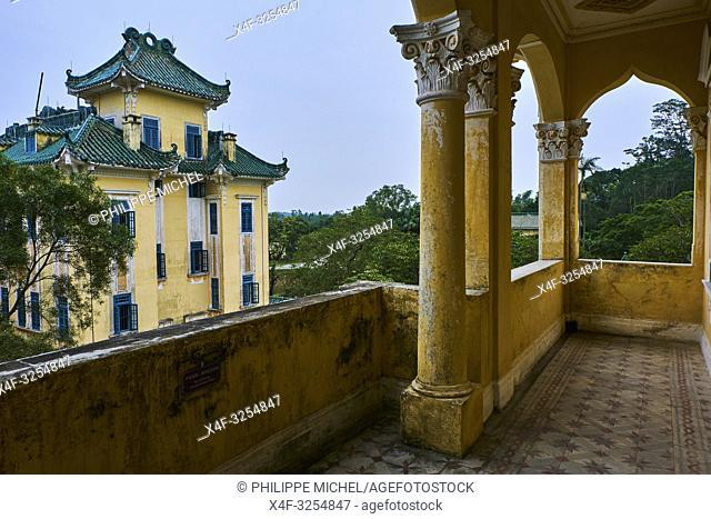 Chine, Province de Guangdong, Kaiping, patrimoine mondial de l'Unesco, Li Garden, les Diaolou sont des tours fortifiées / China, Guangdong, Kaiping