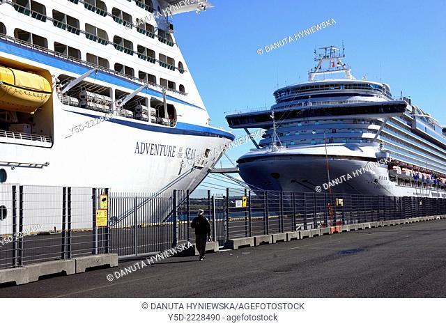 Huge passengers cruise ships in Skarfabakki harbor† in Reykjavik, Iceland