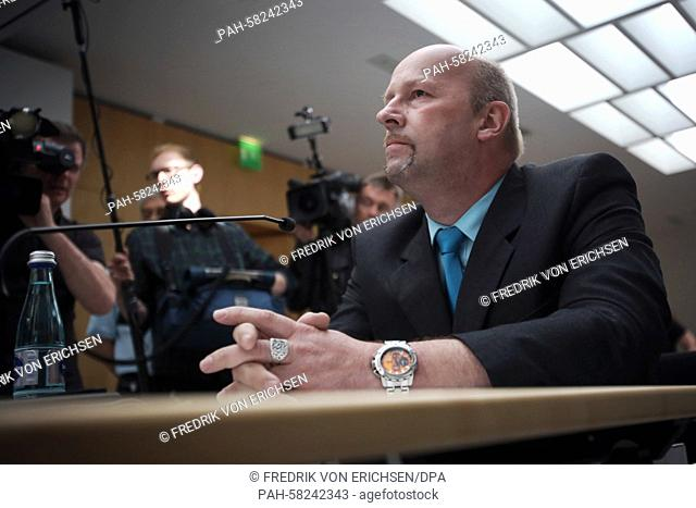 Witness Andreas Temme arrives to a meeting of an investigation committee of the Hessian state parliament inWiesbaden, Germany, 11 May 2015