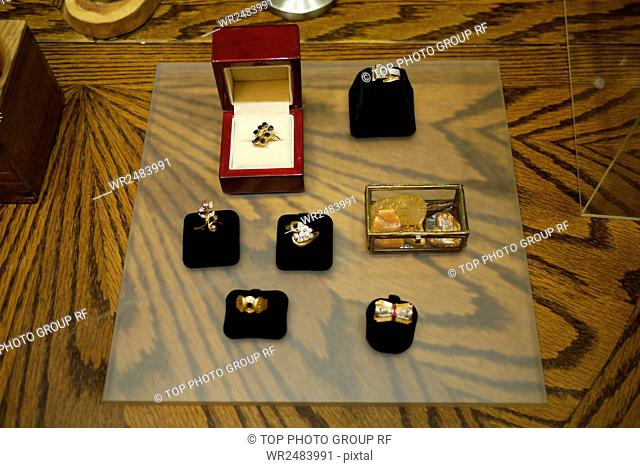 jansoga antique jewelry collection