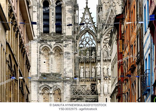 facade of Cathédrale Notre-Dame, old town, Rouen, Normandy, France, Europe