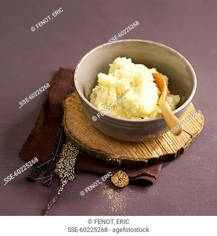 Traditional nutmeg-flavored potato mash