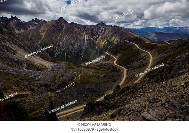 Tro-la pass 5050 m, Tibetan plateau