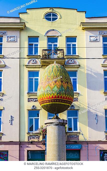 In 2003 the hand of artist and designer Lijana Turskyte turned the gypsum 300 kg egg, which is erected on the granite column, into an Easter egg