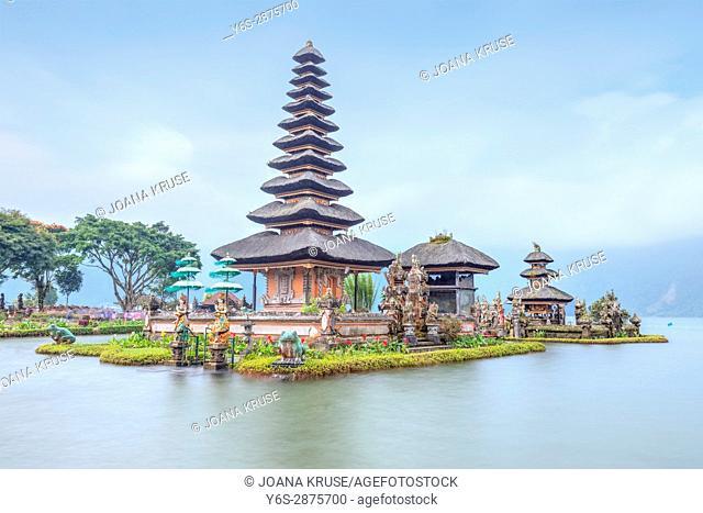 Ulun Danu, Lake Bratan, Bali, Indonesia, Asia