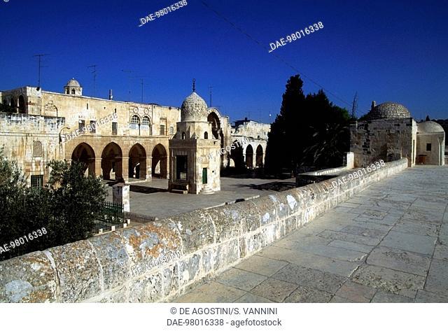 Buildings along the perimeter of the Temple Mount or the al-Haram al-Sharif (Noble Sanctuary), Old City of Jerusalem (UNESCO World Heritage List, 1981), Israel
