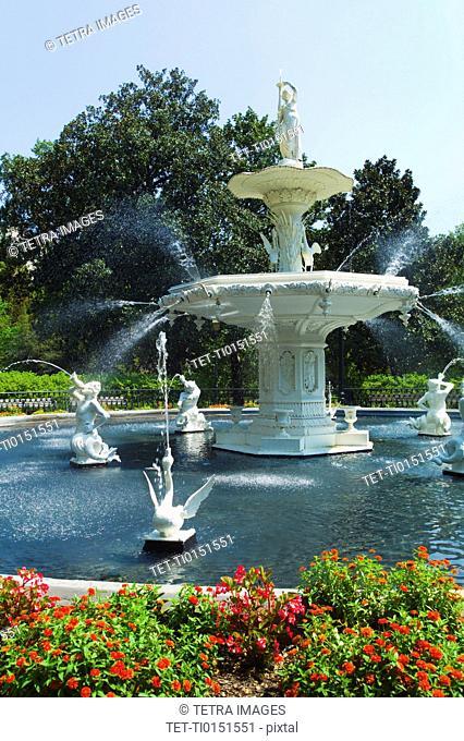 USA, Georgia, Savannah, Foley Square, Fountain in park