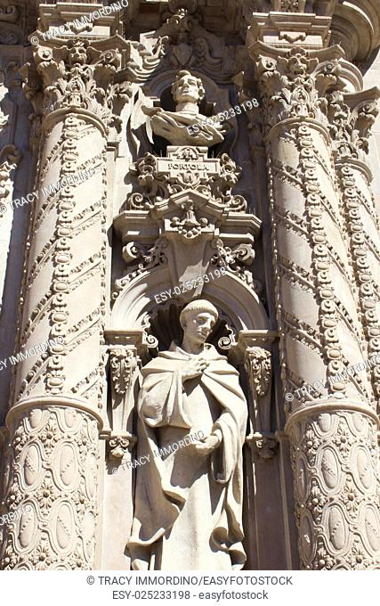 Close up of the sculptures of Fray Antonio de la Ascension and Gaspar de Portola on the frontispiece of the California Building, San Diego Museum of Man