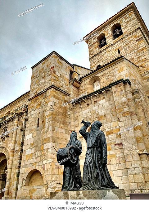 Merlú image and San Juan de Puerta Nueva church. Zamora. Spain