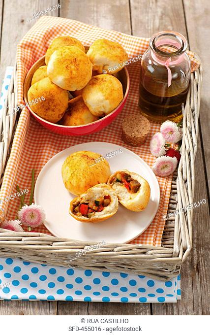 Yeast breads, filled with grilled vegetables, olive oil