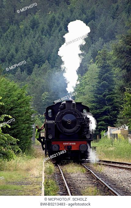 Train a vapeur des Cevennes, France, Languedoc-Roussillon, CÚvennes, St-Jean-du-Gard