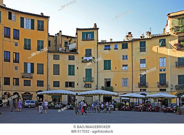 Piazza Anfiteatro, Lucca, Tuscany, Italy