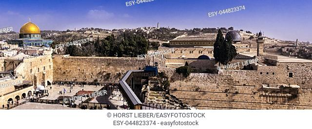 The Temple Mount with Dome of the Rock, Wailing Wall and al-Aqsa Mosque, Jerusalem, Israel, Middle East