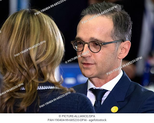 04 April 2019, US, Washington: Ekaterina Zaharieva, Bulgarian Foreign Minister, and Heiko Maas (SPD), Foreign Minister, have a meeting before the Foreign...