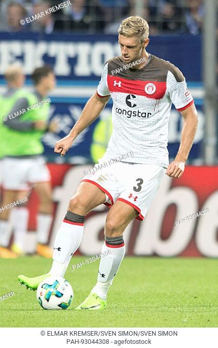 Lasse SOBIECH (Pauli), mit Ball, Einzelaktion mit Ball, Aktion, Fussball 2. Bundesliga, 1. Spieltag, VfL Bochum (BO) - FC St. Pauli (Pauli) 0:1, am 28