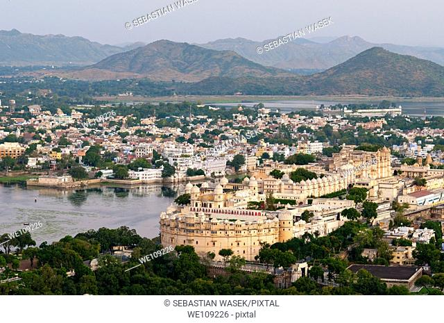 City Palace complex and Udaipur from Karni Mata Temple Macchla Magra, Udaipur, Rajasthan, India, Asia