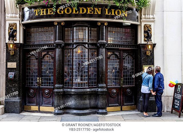 The Golden Lion Pub, King Street, St James's, London, UK