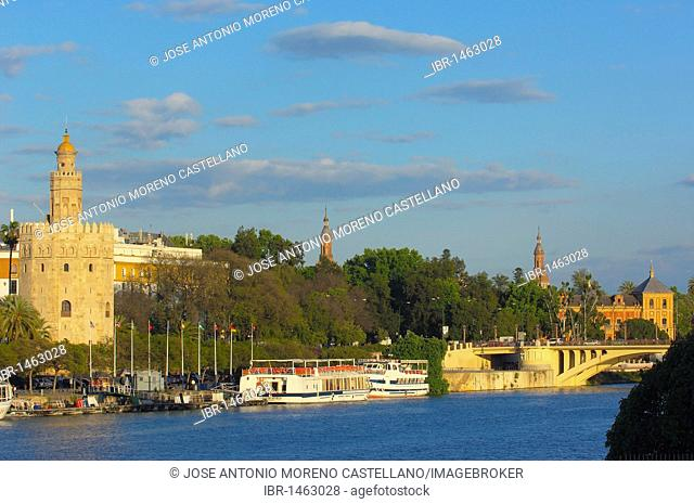 Torre del Oro and Guadalquivir river, Sevilla, Andalusia, Spain, Europe