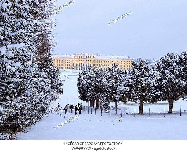 -Shonbrunn Palace in Winter- Wien(Austria)