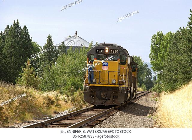 A Union Pacific train running light near Freeman, Washington State, USA