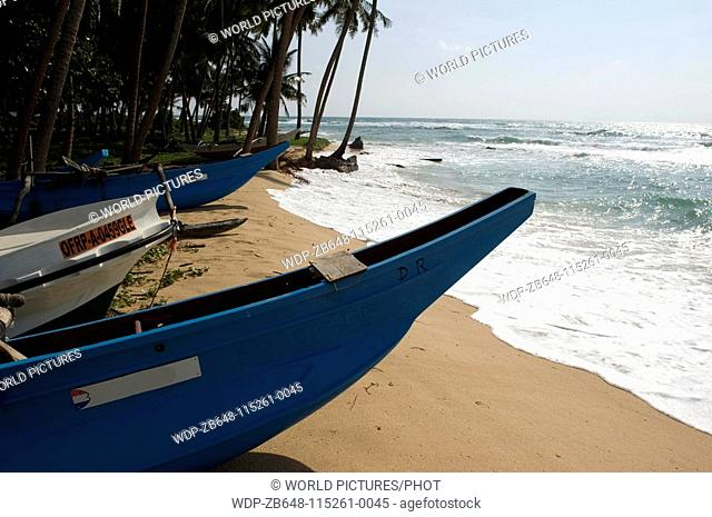 Fishing boats near galle , Sri Lanka Date: 20 04 2008 Ref: ZB648-115261-0045 COMPULSORY CREDIT: World Pictures/Photoshot