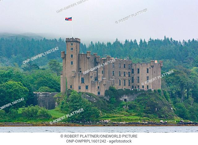 United Kingdom, Scotland, Highland, Isle of Skye, Dunvegan Castle, Dunvegan Castle is the seat of the Scottish clan of MacLeods